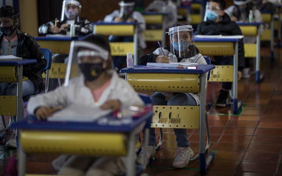 Hoy Liceo Lunita de Chía en la REVISTA TIME de NEW YORK – Estados Unidos